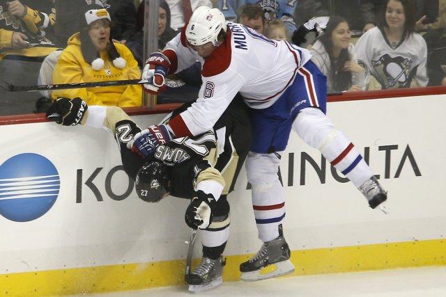 Le défenseur Douglas Murray, du Canadien, n'a pas... (Photo Keith Srakokic, AP)