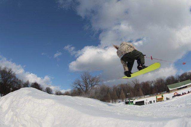 Ski et planche à neige télétractés au parc... (Photo Gilles Proulx, fournie par la Société du parc Jean-Drapeau)