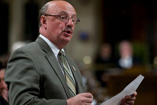 Yvon Godin, porte-parole néo-démocrate aux langues officielles.... (Archives La Presse Canadienne)