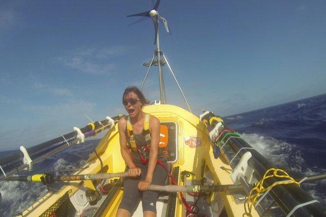 Mylène Paquette lors de sa traversée de l'Atlantique... (Photo fournie par ICI Radio-Canada Télé)