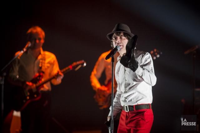 La performance de Thomas Fersen, hier au Métropolis,... (Photo Olivier Pontbriand, La Presse)