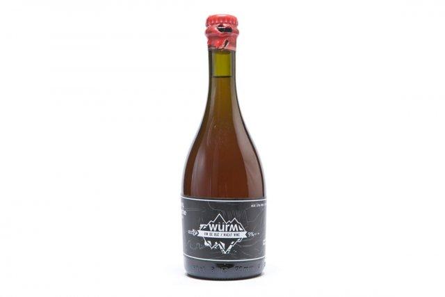 Le vin de blé de lamicrobrasserie Noire&blanche.... (PHOTO HUGO-SÉBASTIEN AUBERT, LA PRESSE)