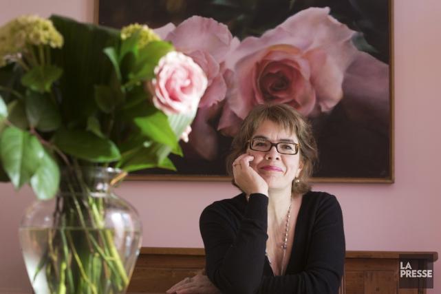 Grande passionnée des félins, Chrystine Brouillet compare son... (PHOTO IVANOH DEMERS, ARCHIVES LA PRESSE)