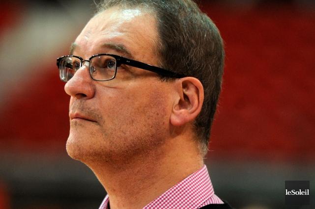 L'entraîneur-chef du Rouge et Or volleyball, Pascal Clément... (Photothèque Le Soleil)