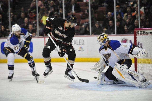Andrew Cogliano a marqué le seul but du... (Photo Gary A. Vasquez, USA Today Sports)