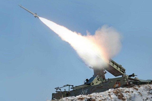 La Corée du Nord a procédé lundi au tir d'essai de deux missiles à courte... (Photo Archives AFP)