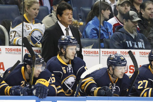L'entraîneur Ted Nolan acceptera-t-il de rester dans l'environnement... (Photo Kevin Hoffman, USA Today)