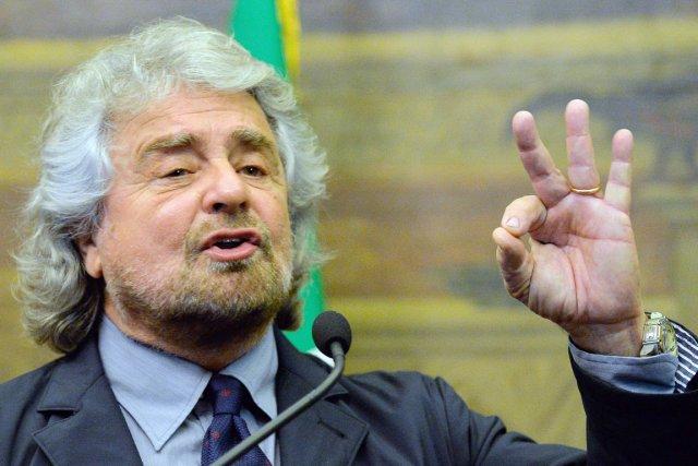 Beppe Grillo, chef du Mouvement cinq Étoiles a... (PHOTO ANDREAS SOLARO, AFP)