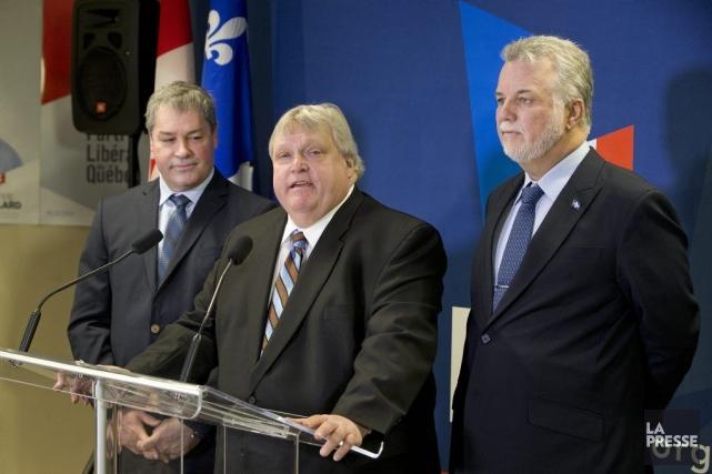 Yves Bolduc, Gaétan Barrette et Philippe Couillard... (Photo Robert Skinner, La Presse)
