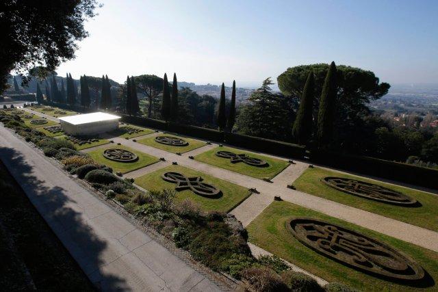 La propriété comprend notamment les vastes jardins Barberini... (PHOTO MAX ROSSI, REUTERS)
