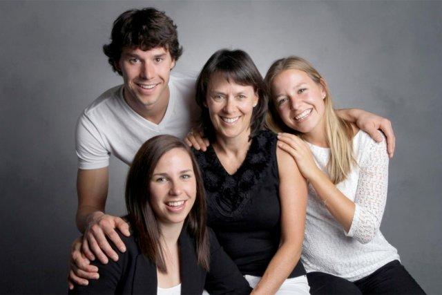 Alex, Mireille, Sophie et Laurence... (PHOTO FOURNIE PAR LA FAMILLE)