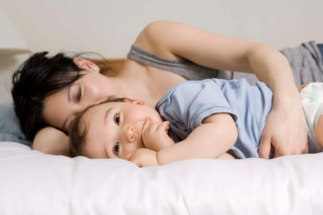 Le comédien Jici Lauzon a trois enfants de 2, 4 et 6 ans. Lui qui aimait les... (PHOTO DIGITAL VISION/THINKSTOCK)