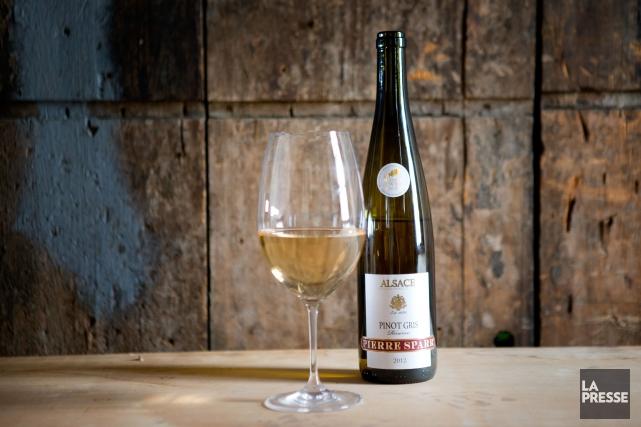 Très beau vin blanc alsacien, vinifié en cuves inox, et élevé en cuves sur lies... (PHOTO MARCO CAMPANOZZI, LA PRESSE)