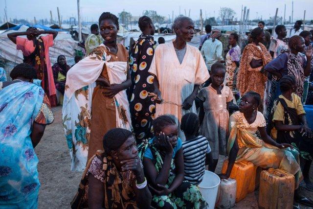 Près de 40 000 civils ont fui récemment incendies et pillages perpétrés par des... (Photo AFP)