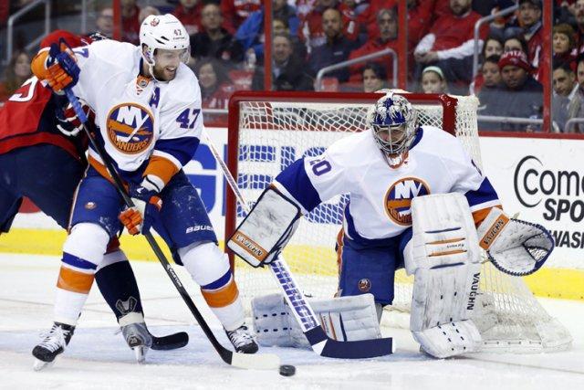 Les Islanders de New York ont échangé le vétéran défenseur Andrew MacDonald aux... (Photo: PC)