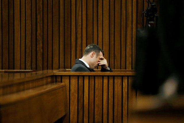 Oscar Pistorius lors de la pause du midi... (PHOTO SIPHIWE SIBEKO, REUTERS)