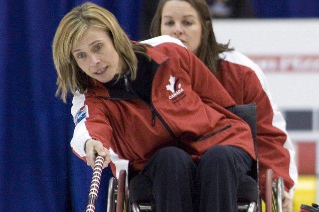 La joueuse de curling en fauteuil roulant Sonja... (Photo Jeff Bassett, PC)
