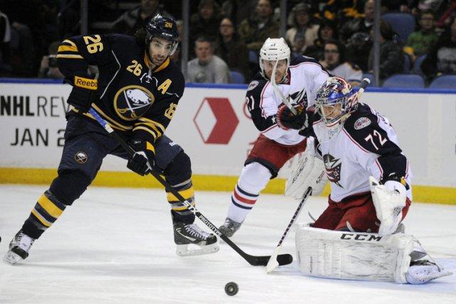 Matt Moulson dans l'uniforme des Sabres.... (Photo: AP)