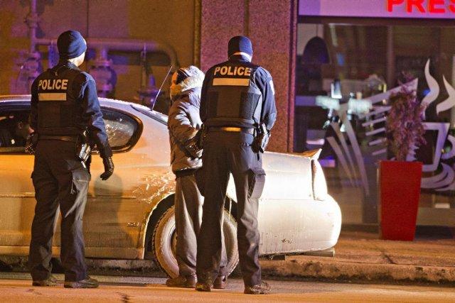Deux personnes ont été arrêtées peu après qu'un... (Photo Félix O.J. Fournier, collaboration spéciale)