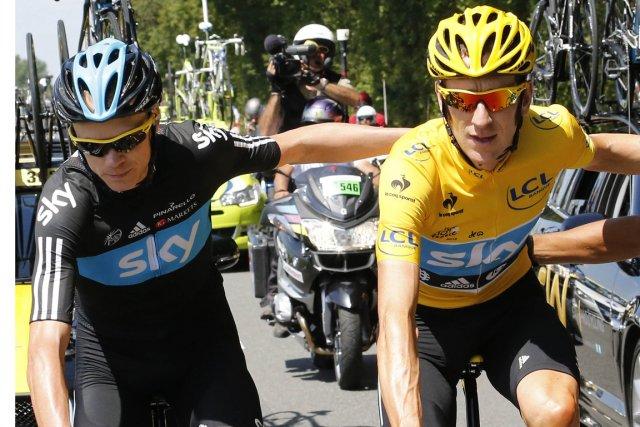 Chris Froome et Bradley Wiggins au Tour de... (Photo Joel Saget, AFP)