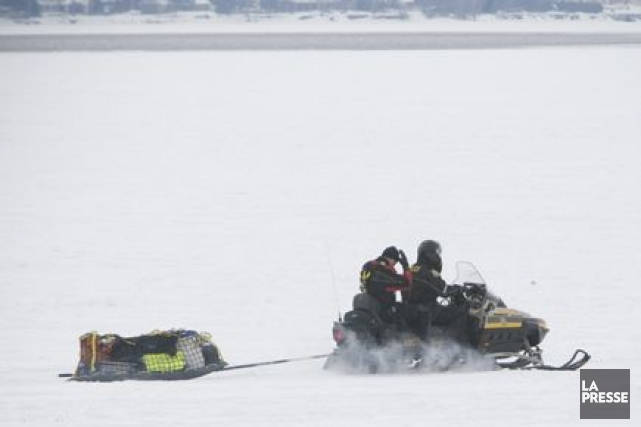 La fonte des glaces amène effectivement la police... (Photo: Patrick Sanfaçon, La Presse)