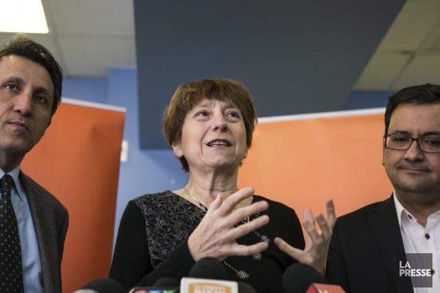 Françoise David (centre), porte-parole de Québec solidaire, ainsi... (Photo Hugo-Sébastien Aubert, La Presse)