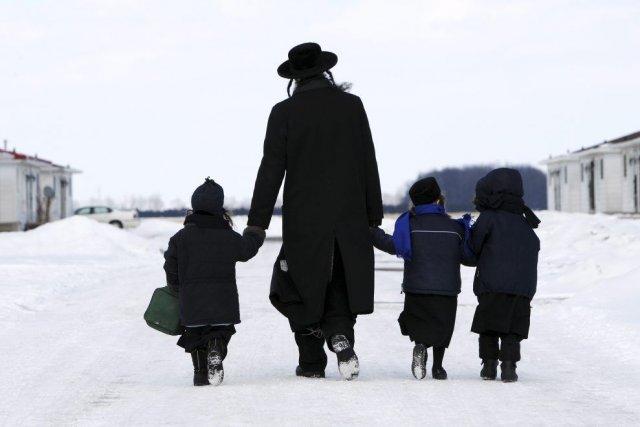 Certains membres de la communauté Lev Tahor ont... (Photo Dave Chidley, La Presse Canadienne)