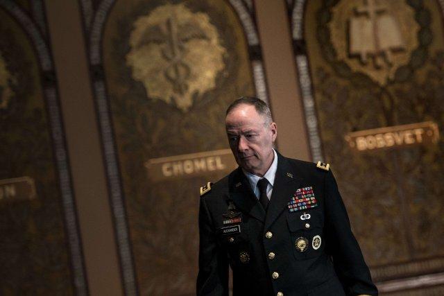 Le directeur de la NSA,Keith Alexander... (Photo Brendan SMIALOWSKI, AFP)