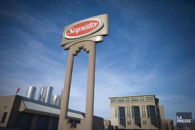 L'entreprise montréalaise Saputo a annoncé qu'un de ses employés est décédé... (PHOTO ANDRÉ PICHETTE, ARCHIVES LA PRESSE)