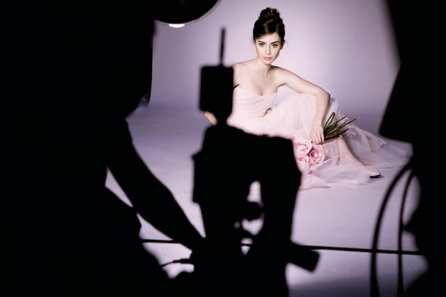 L'actrice Lily Colins est l'égérie de la collection... (PHOTO Barwed Van Der Plas, fournie par Lancôme)
