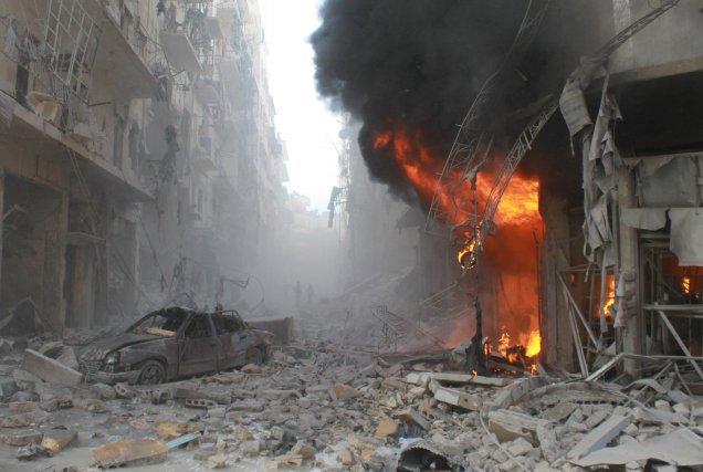 Après une série de six raids aériens dans... (PHOTO BARAA AL-HALABI, AFP)