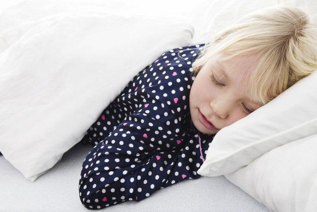 les om ga 3 semblent aider les enfants mieux dormir sant. Black Bedroom Furniture Sets. Home Design Ideas