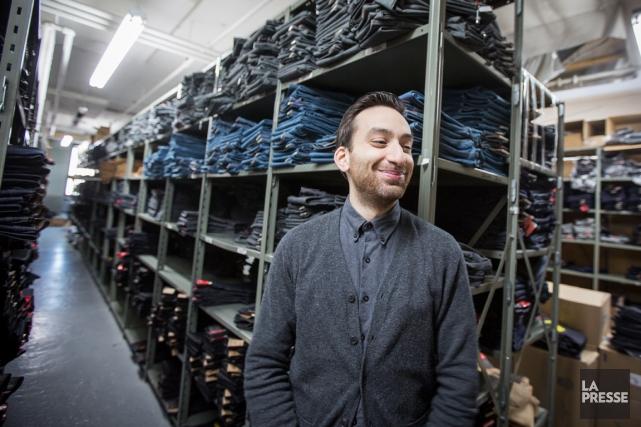 Les jeans de Brandon Svarc, destinés en grande... (PHOTO OLIVIER PONTBRIAND, LA PRESSE)