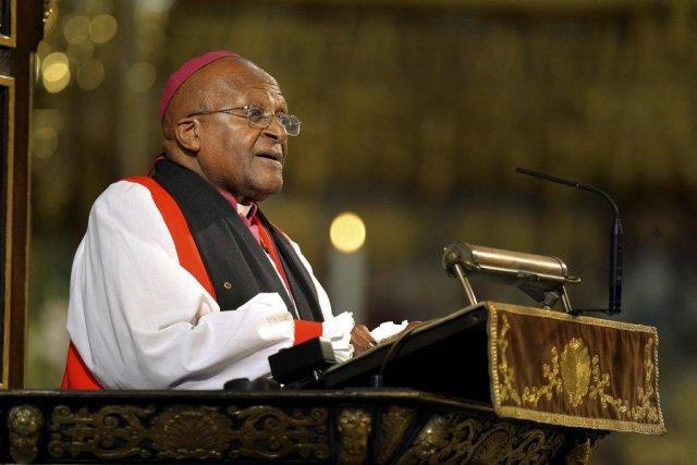 Desmond Tutu, qui a longtemps combattu le régime... (Photo John Stillwell, REUTERS)
