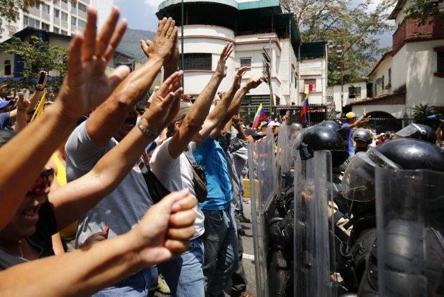 L'opposition vénézuélienne refuse de discuter avec le gouvernement... (PHOTO JORGE SILVA, REUTERS)