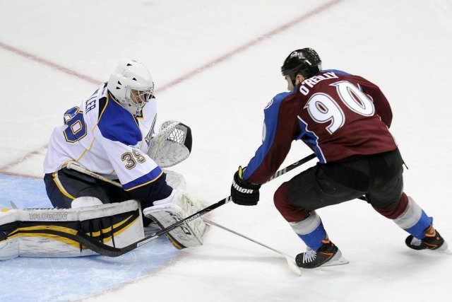 Ryan O'Reilly a été incapable de déjouer Ryan Miller... (PHOTO CHRIS SCHNEIDER, AP)