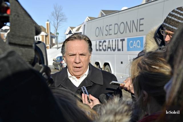 Le magnat des médias Pierre Karl Péladeau doit absolument vendre les 72% du... (Photo Pascal Ratthe, Le Soleil)