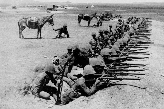 Des soldats canadiens en Afrique du Sud durant... (Archives PC)