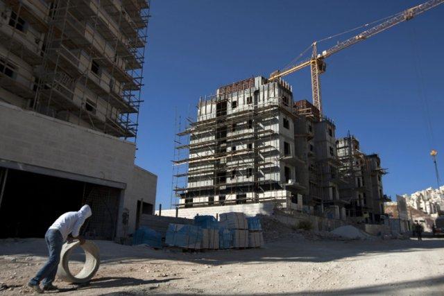 Le nombre de mises en chantier de logements... (Photo: AP)