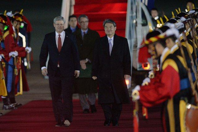 StephenHarper a été accueilli par le premier vice-ministredes... (Photo: PC)