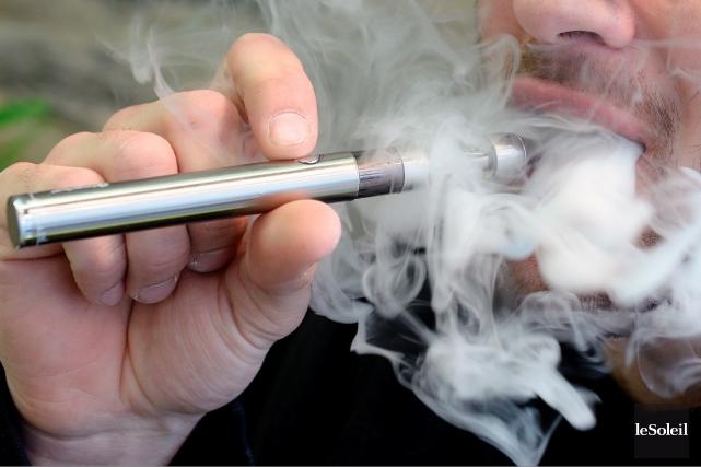 La jeune industrie de la cigarette électronique est... (Photo Erick Labbé, Le Soleil)