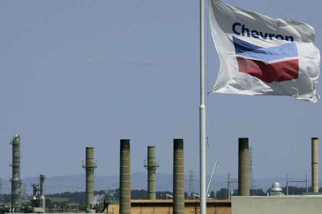 La major pétrolière Chevron a annoncé vendredi la suppression de 6000 à 7000... (PHOTO BEN MARGOT, ARCHIVES AP)