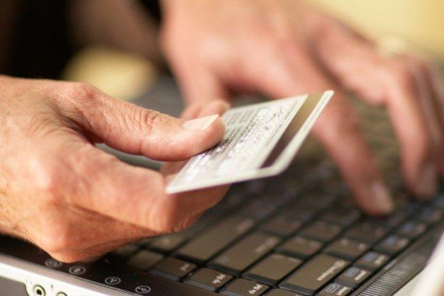 Contrairement à la croyance populaire, la fraude commerciale ne cible pas... (Photo Thinkstock)
