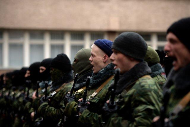 Les forces pro-russes, surnommées les «forces militaires de... (Photo: AFP)