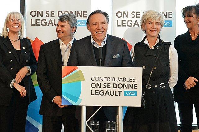 François Legault... (Photo Patrice Laroche, Le Soleil)