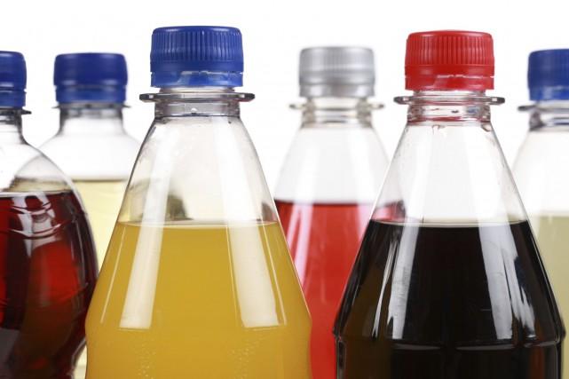 La consommation d'au moins deux boissons sucrées par jour est associée à une... (PHOTO DIGITAL VISION/THINKSTOCK)