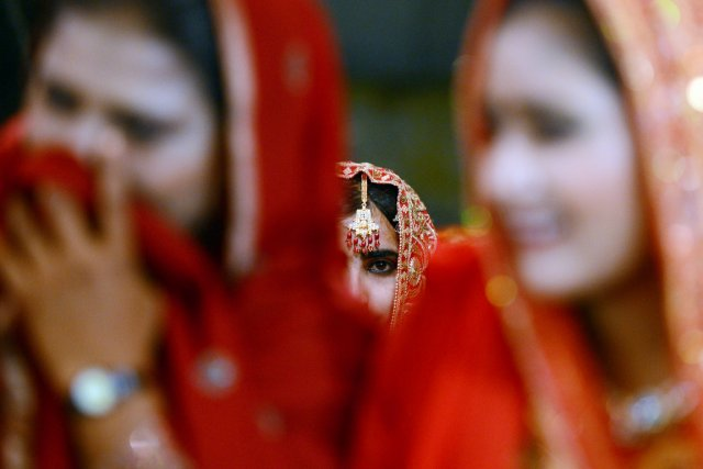 La loi pakistanaise fixe l'âge minimum des mariés... (PHOTO ASIF HASSAN, ARCHIVES AFP)
