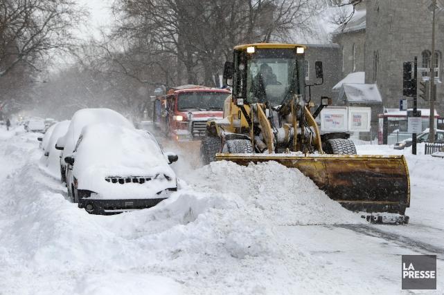 А в Монреале снова снегопад!