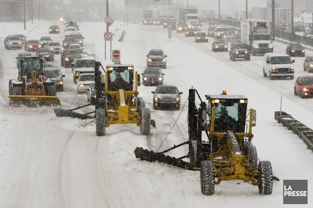 Les automobilistes devront faire preuve de patience et de prudence sur la route... (Photo Armand Trottier, Archives La Presse)