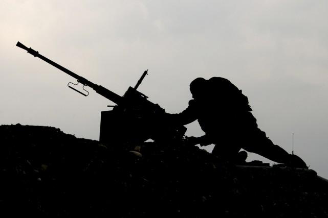 Un soldat israélien stationné à la frontière de... (PHOTO  JACK GUEZ, AFP)